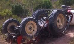 Imatge tractor bolcat a Corbera d'Ebre