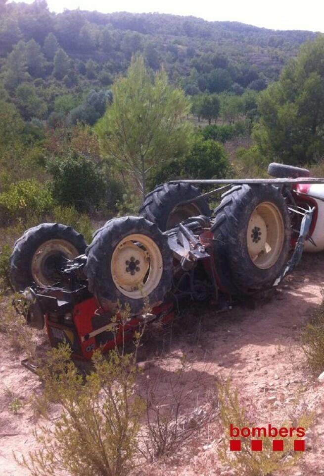 Imatge tractor bolcat a Corbera d' class=