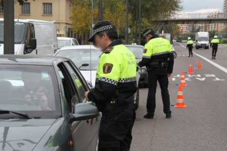 Campaña de vigilancia y control sobre alcoholemia y drogas en colaboración con la D.G.T policia local
