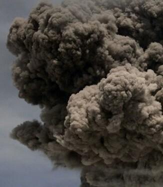 De 5.897 metros de altura, el Cotopaxi (45 km al sur de Quito) registró varias explosiones el viernes.