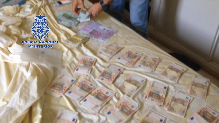 Detenidas cinco personas por estafar a través de Internet mediante el alquiler vacacional de villas de lujo en Marbella (1)