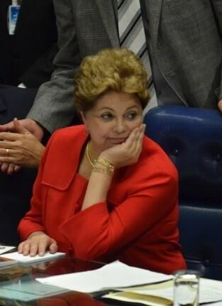 Dilma Rousseff aseguró desde la sede del Gobierno que no piensa caer.