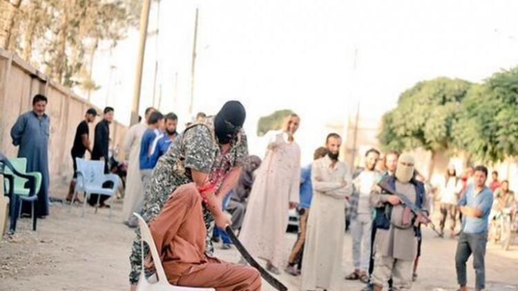 El Estado Islámico decapitó a un sirio acusado de haber insultado a Alá (2)