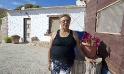 El Gobierno indultará a la mujer encarcelada por negarse a derribar su casa.