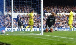 El Villarreal supera al Everton con goles de Gerard Moreno y Nahuel