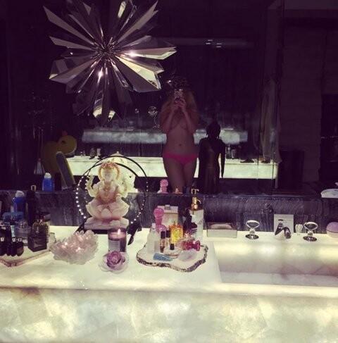 El topless de Christina Aguilera para sus fanáticos
