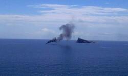 Embarcanción incendiada. (Foto Policía de Benidrom)