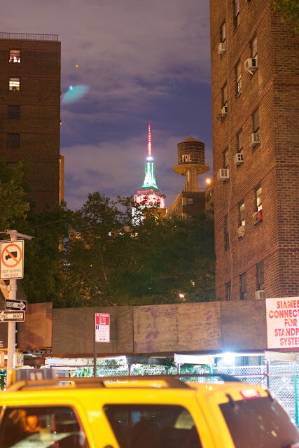 Green-UFO-Seen-Over-New-York-City-On-Aug-8-20151