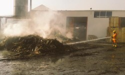 Incendio de una nave industrial esta noche Belgida (4)