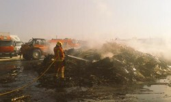 Incendio de una nave industrial esta noche Belgida (5)