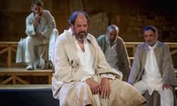 Josep Maria Pou interpreta a filósofo Sócrates.