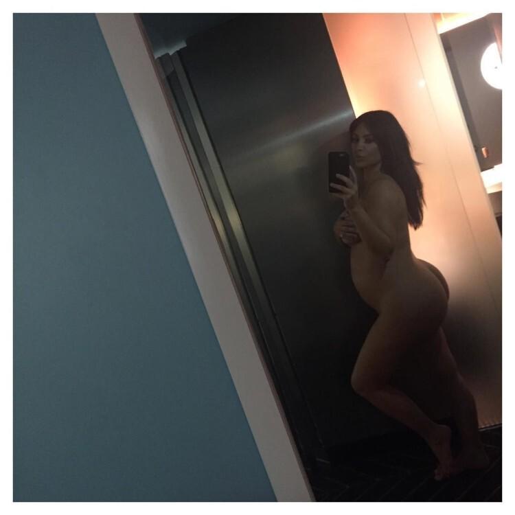 Kim Kardashian desnudavuelve a romper Internet con un desnudo