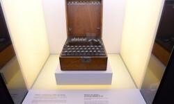La máquina de cifrado y descifrado ENIGMA K-207.