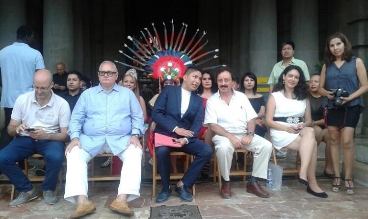 La zona de invitados contó con la presencia del alcalde en funciones Giuseppe Grezzi y representantes de diversas formaciones políticas. (Foto-J.Entraigües-VLCNoticias).