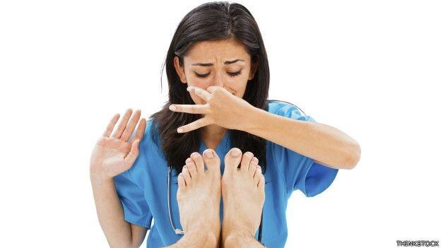 Los secretos repugnantes de los pies apestosos (3)
