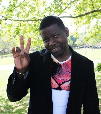 Manecas Costa, el guitarrista de Guinea Bissau tampoco podía faltar a la cita. (Foto-VLCNoticias).