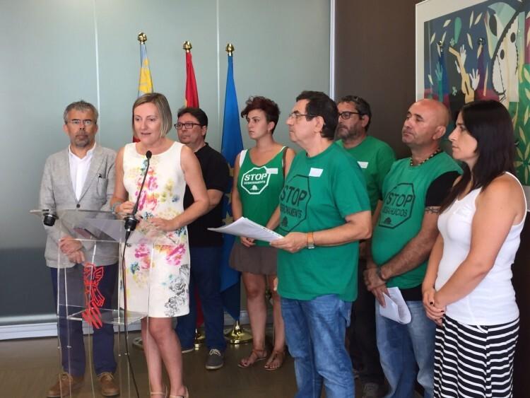 María José Salvador aborda la futura Ley de la Función Social de la Vivienda con los representantes de la PAH