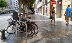 Nuevos aparcamientos de bicis en la Av. Colón.
