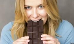 Puede un simple truco mental ayudarte a controlar las ansias de comer chocolate