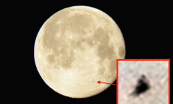 Pyramid-UFO-Flys-Past-Moon-Caught-On-Camera-Aug-2015