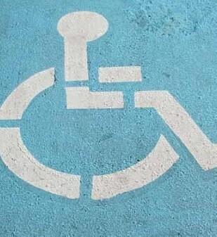 Se habilitaron ocho plazas extra de aparcamiento en la playa del Cabanyal adaptadas para personas con discapacidad.