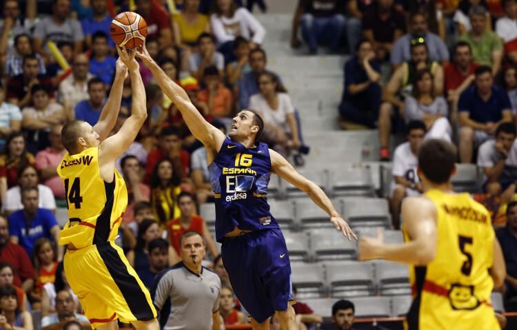 Selección Española de basket con victoria ante Van Rossom (3)