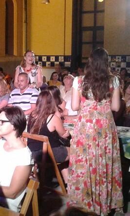 Silvia Rico y Arantzazu Pastor durante un momento del show. (Foto-J.Entraigües-VLCNoticias)