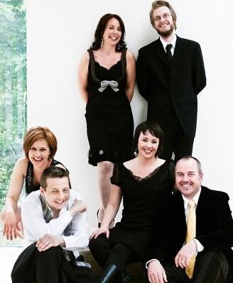 Todos sus miembros son graduados en la Academia de la Música Noruega o en la Academia de la Ópera de Oslo.