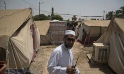 b_400_275_16777215_0___images_stories_2015_Agosto_iraq-03-08_iman_se_hace_cargo_de_campo_de_refugiados