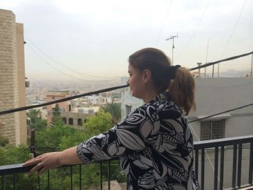 Foto- ©ACNUR- Hanan, antes de marcharse del Líbano, reflexiona sobre lo que el futuro puede depararle.