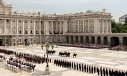 guardia-real-relevo_solemne-madrid-c.jpg_369272544