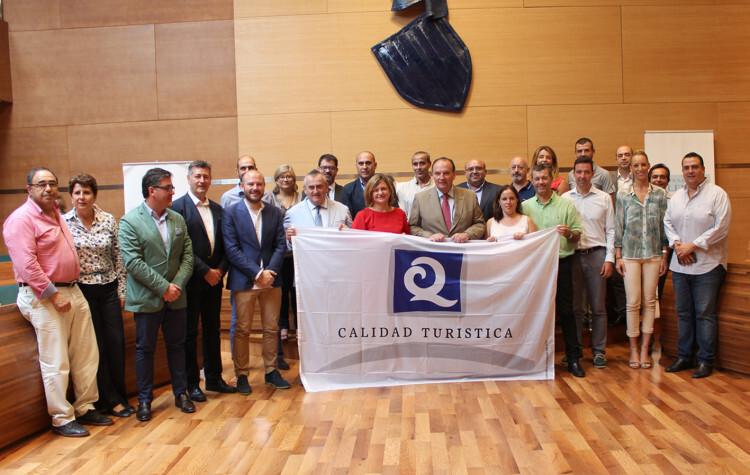 """playas de la provincia de Valencia reciben la bandera """"Q"""