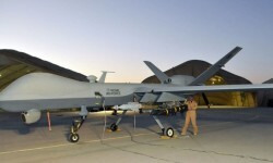 Cómo es el drone que mató a dos yihadistas británicos del Estado Islámico (4)