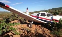 Cae una avioneta en Requena dejando a sus ocupantes con heridas leves.
