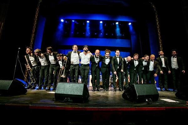 Copa Ilustrada Band en uno de sus conciertos en Valencia.