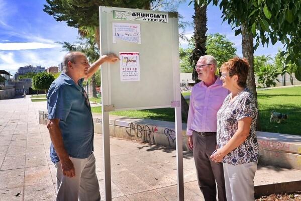 El Ayuntamiento de Alboraya instala paneles de información para los vecinos.