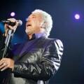 El Ayuntamiento de Gandia denuncia que el anterior Gobierno pagó 795.000€ por conciertos de Tom Jones y Julio Iglesias.