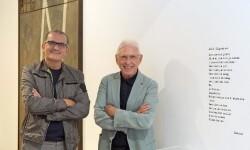 El director del IVAM y Raimon durante la visita del cantante a la exposición 'Col·lectius artístics a València sota el franquisme' a l'IVAM'.