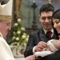 El papa Francisco simplifica y hace gratuito el trámite de nulidad de los matrimonios