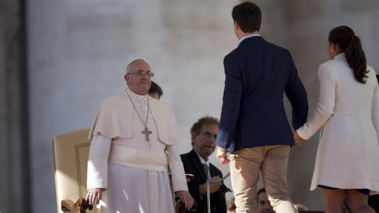 El papa Francisco simplifica y hace gratuito el trámite de nulidad de los matrimonios2