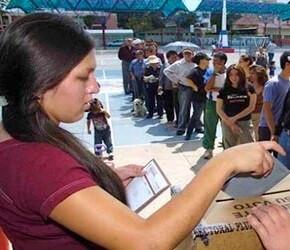 En Potosí, la región minera del sur, el voto por el 'No' estaba por encima de 90 por ciento.