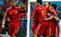 España, a refrendar su liderato ante la colista Macedonia