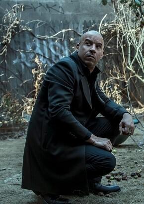 Fotograma de la película 'El ultimo cazador de brujas'.