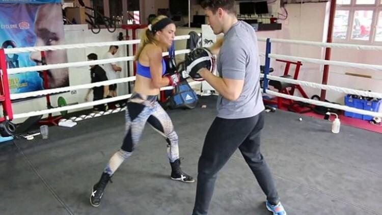 Joanne Salley la profesora sexy que cambió las aulas por el boxeo (4)