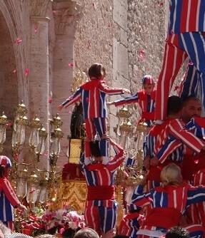 La 'Processoneta', uno de los actos más emotivos de las fiestas de la Mare de Déu de la Salut de Algemesí.