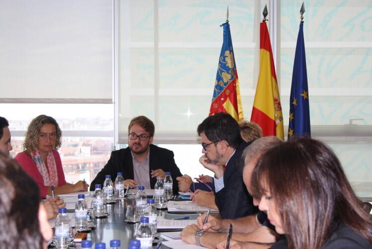 La Generalitat exige a la UE un 'inmediato calendario pactado' para la acogida de personas refugiadas