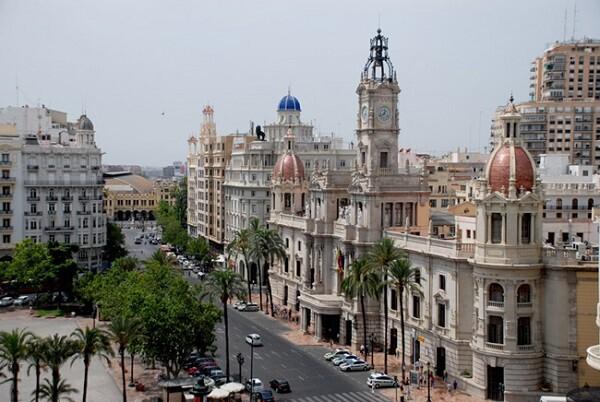 La Guardia Civil registró el Ayuntamiento de Valencia y se llevó documentación oficial
