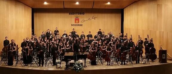 La Joven Orquesta de la FSMCV durante una actuación en la localidad de Segorbe.