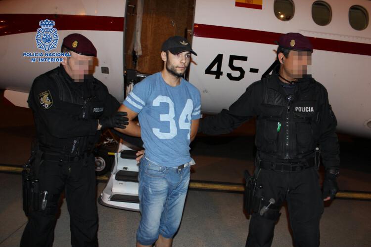 La Policía Nacional traslada desde Rumanía al presunto autor del doble crimen de Cuenca MORANTE 1