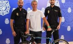 La Policía recupera una bicicleta sustraída durante la Vuelta Ciclista a España.